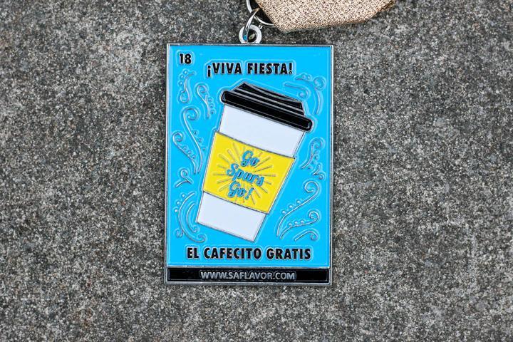 Cafecito Gratis Loteria Card Fiesta Medal